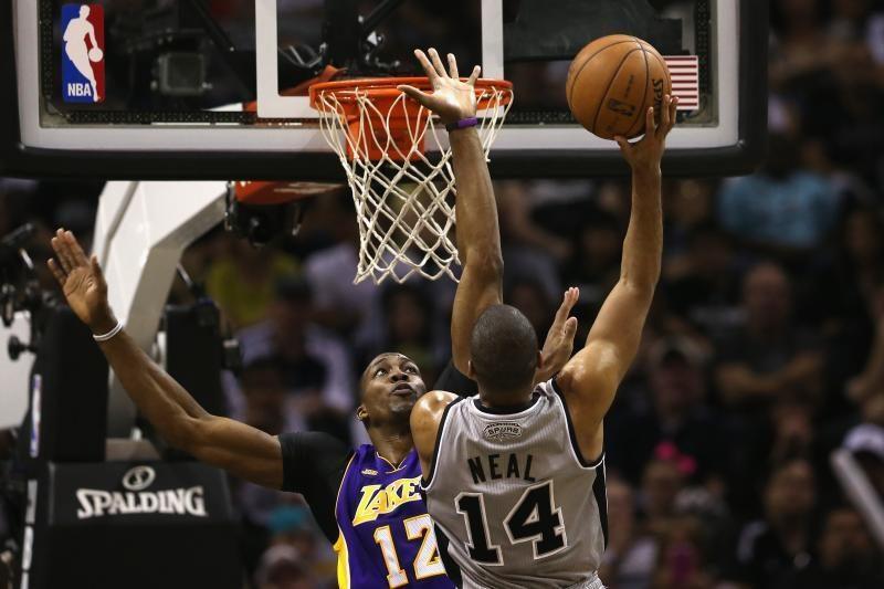 NBA atkrintamosios: pirmasis turas - be staigmenų (komentarai)