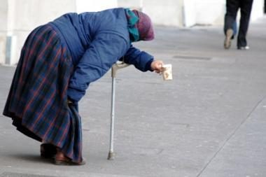 Seimo komitetas prašo vyriausybės vertinimo sumažintas pensijas mokėti vienus metus
