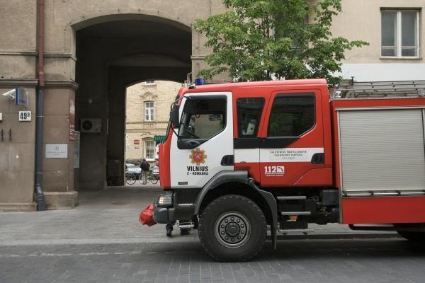 Vilniuje sudegė automobilis