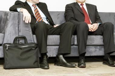 Latvijos bankų vadovų algos pernai mažėjo kukliau nei kitų darbuotojų