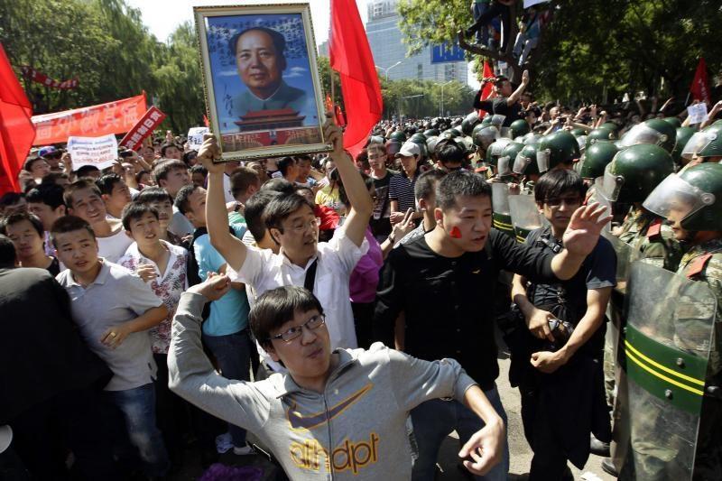 Kinijoje protestuojama prieš Japonijos veiksmus dėl ginčijamų salų