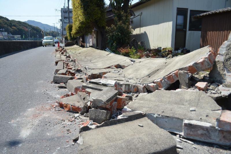 Japonijos vakarus supurtė stiprus 6,3 balo žemės drebėjimas