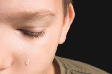 Mokykloje vyras sumušė vaiką ir grasino jam peiliu (papildyta)