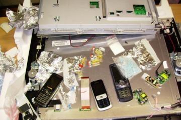 Mobilieji telefonai - šaldytuvuose ir kompiuteriuose
