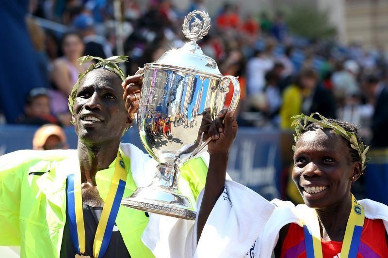 Bostono maratone greičiausi buvo Kenijos bėgikai