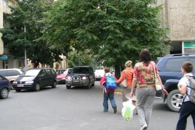 Automobilių spūstys dėl gimnazistų?