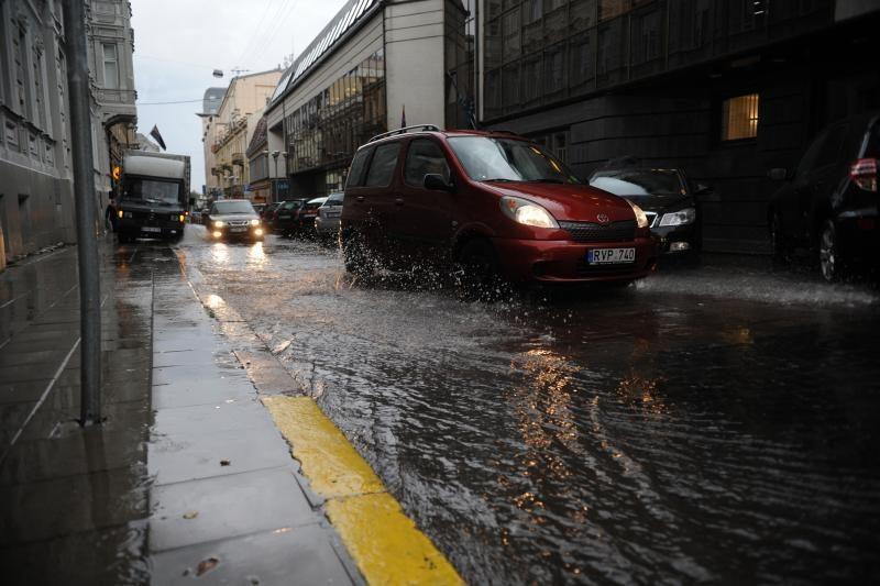 Šeštadienio naktį lijo trijose šalies apskrityse