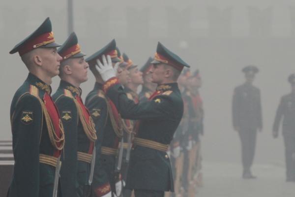 Lietus laikinai išsklaidė smogą Maskvoje