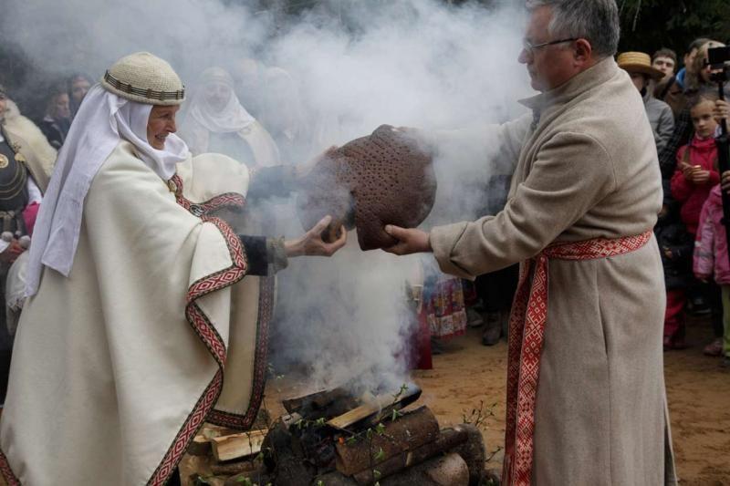 Romuviai protėvių apeigomis pasitiko Jorę (foto)