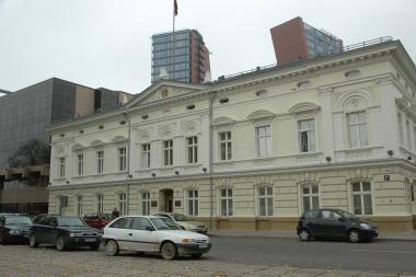 Savivaldybė turės pakovoti dėl apskrities pastato