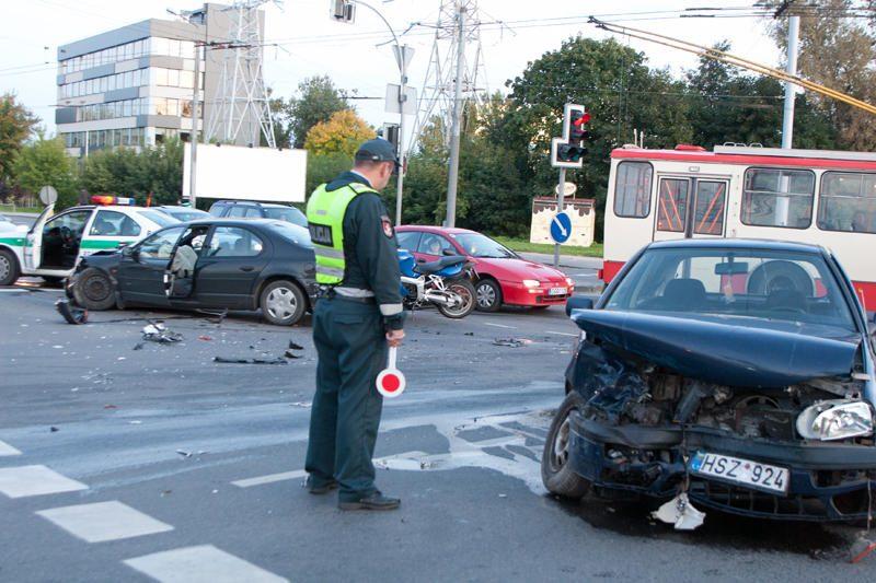 Kruvinoji statistika: per savaitę Lietuvos keliuose žuvo šeši žmonės