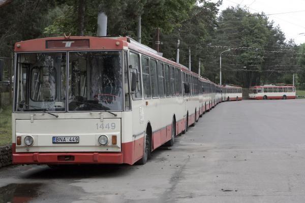 Vicemeras: keleivių laipinimas tik pro priekines duris vilniečiams bus tik į naudą