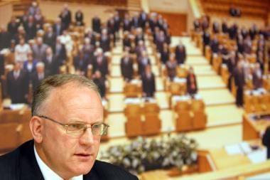 Širvintų rajono tarybos narį teismas  įpareigojo paneigti, kad Pinskai jam kėlė ultimatumus