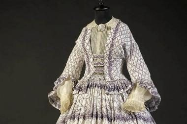 Pratęsiama karalienės Viktorijos laikų mados paroda