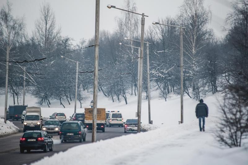Pietiniuose ir rytiniuose rajonuose yra provėžotų kelių