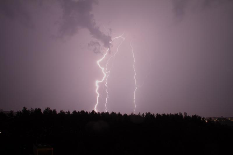 Lenkijoje keistas žaibas nutrenkė keturis žmones