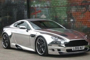"Tiuninguotas ""Aston Martin"" – chromo blizgesys"
