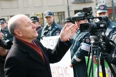 R.Palaitis: dėl apskričių reformos atleidimo lapelius gavo 2,5 tūkst. žmonių