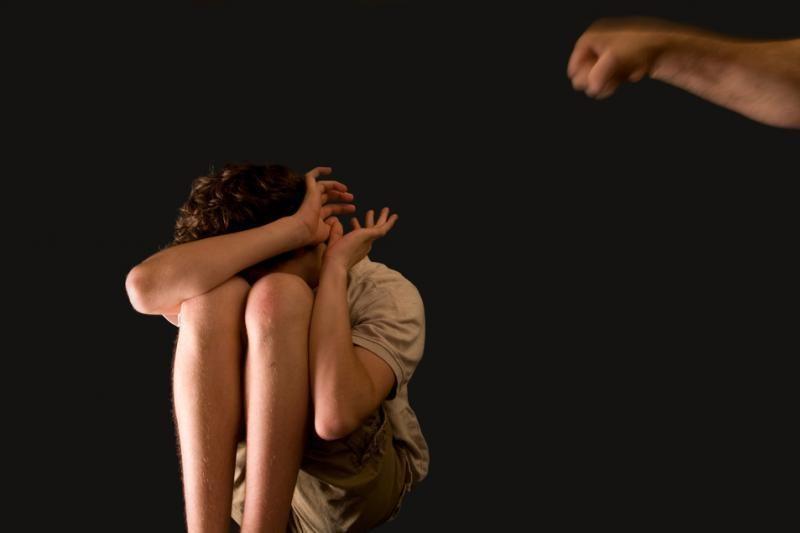 Neapsikentusi patėvio smurto mergaitė pabėgo iš namų