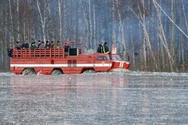 Potvynis pamaryje: kariai ir amfibijos siunčiamos į Šilutės rajoną