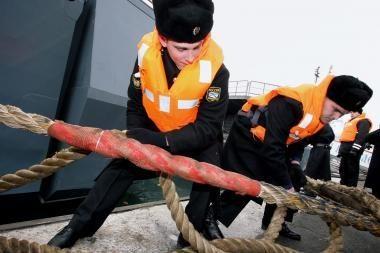 Rusijos kreiseryje - mirtinas gaisras