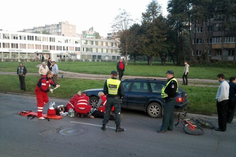 Per avariją sužalotas dviratininkas mirė ligoninėje