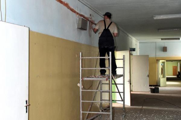 Statybininkai paliko Biržų