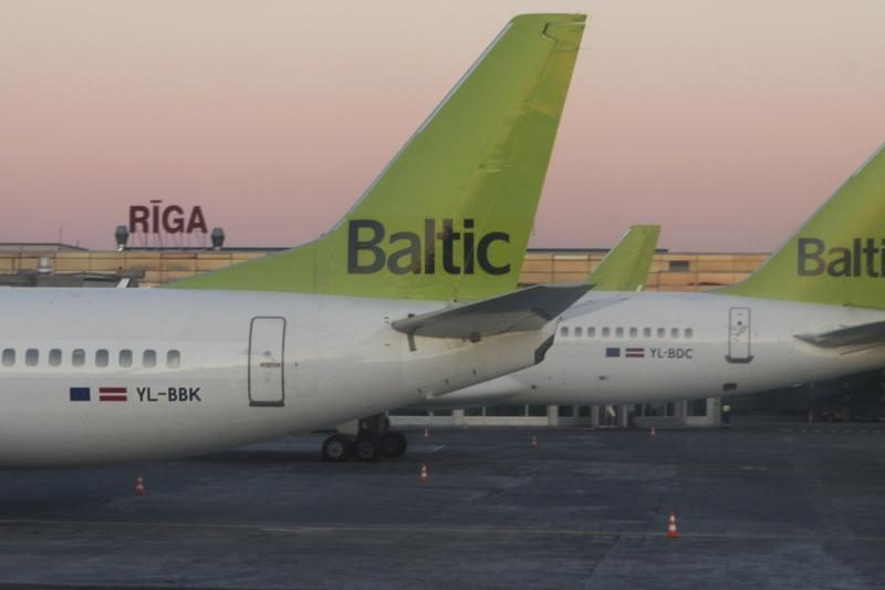 """Latvija """"airBaltic"""" gelbėti skirs 50–70 mln. latų"""
