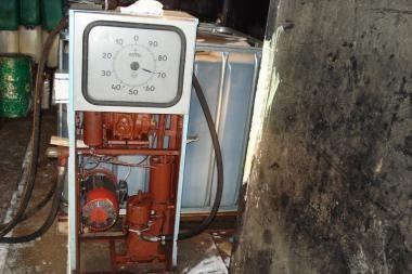 Nemėžio gyventojo garaže - 2000 litrų nelegalaus dyzelino