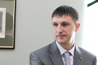 Seimas ketina apsispręsti, ar leisti patraukti A.Sacharuką baudžiamojon atsakomybėn