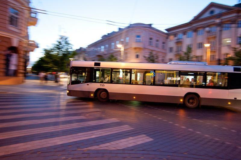 Švenčių dienomis važiuos naktiniai autobusai