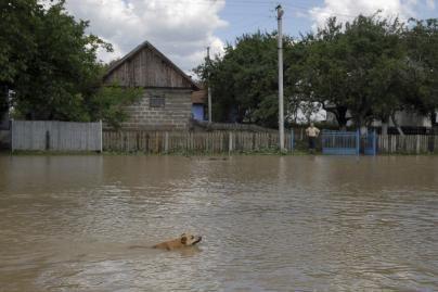 Renkamos lėšos nuo potvynių nukentėjusiai Ukrainai