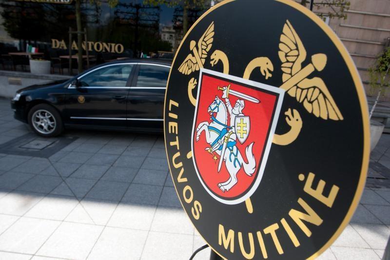 Sulaikytas vilkikas su 3 mln. litų vertės rūkalų kontrabanda