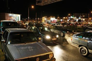 Savaitė keliuose: 92 eismo įvykiai, 12 žmonių žuvo, 91 sužeistas
