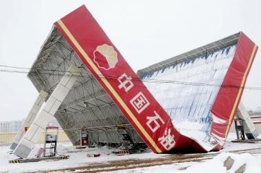 Gausus sniegas Kinijoje kėlė chaosą