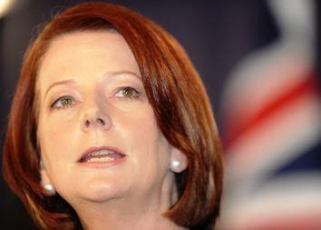 Australijos premjerė prisaikdinta vadovauti trapiai koalicijai