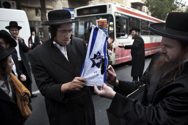 Izraelis rašytojui dėl eilėraščio uždraudė atvykti į jo teritoriją