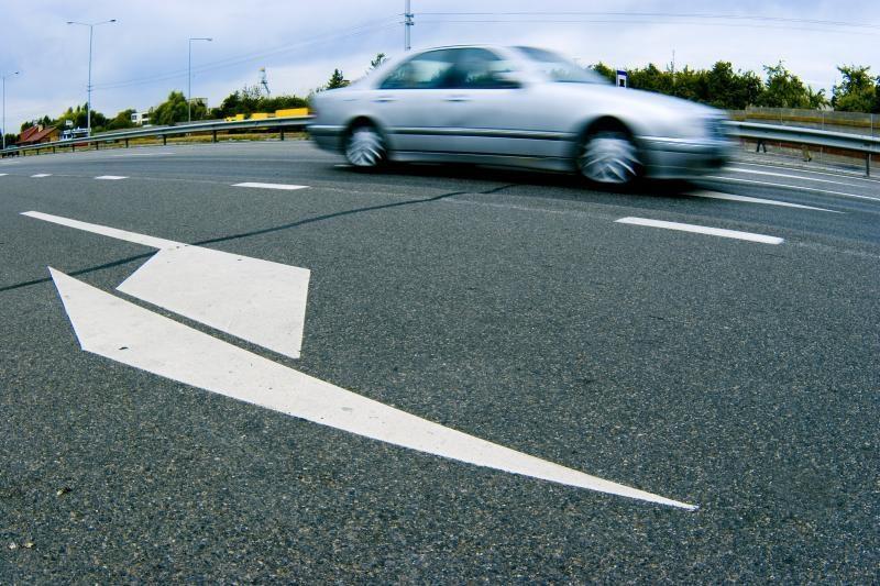 Švenčionių rajone žuvo automobilio partrenktas jaunuolis