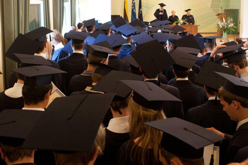 Lietuvoje aukštąjį išsilavinimą turi kas penktas gyventojas