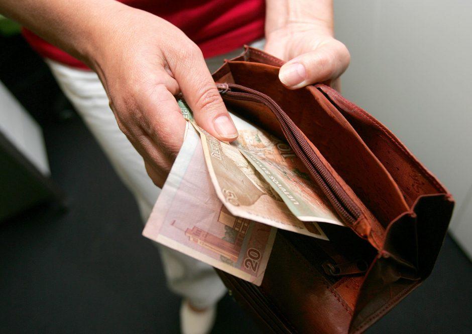Darbo užmokestis praėjusių metų pabaigoje mažėjo lėčiau