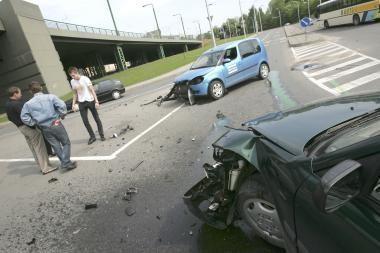 Keliuose – beveik trečdaliu mažiau žuvusiųjų