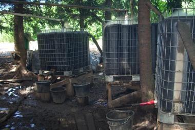 Raseinių rajone aptikta didelė naminės degtinės varykla