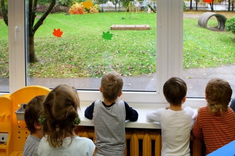 Žinomas kirpėjas vaikų namus prisimena su siaubu