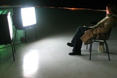 Nepilnamečių žiūrimu laiku siūlo drausti masinius hipnozės seansus