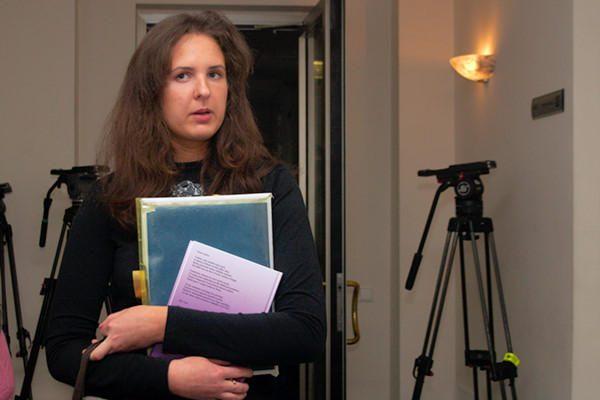 Teismas iš posėdžių salės pašalino E.Kusaitę