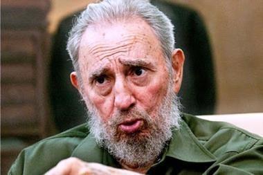 Fidelis Castro atsisakė partijos vadovo posto