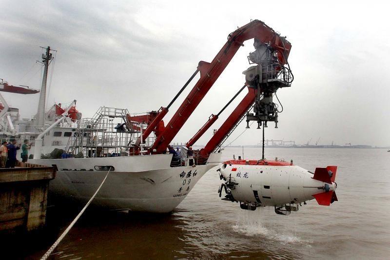Kinų povandeninis laivas kirto 7 tūkst. m ribą