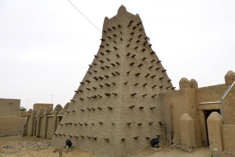 Malio islamistai sunaikino daugiau Tombuktu šventovių