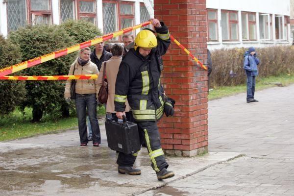 """Gyventojai kviečiami paremti nuo gaisro nukentėjusią """"Žaros"""" mokyklą"""