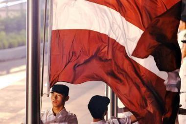 """Keturi iš penkių Latvijos gyventojų profesines sąjungas laiko """"tuščiu reikalu"""